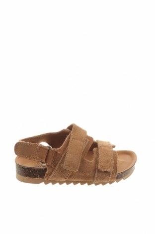 Детски сандали Zara, Размер 20, Цвят Кафяв, Естествен велур, Цена 9,66лв.