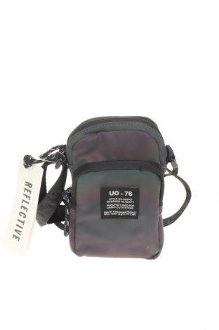 Θήκη κινητού Urban Outfitters, Χρώμα Πολύχρωμο, Κλωστοϋφαντουργικά προϊόντα, Τιμή 15,08€