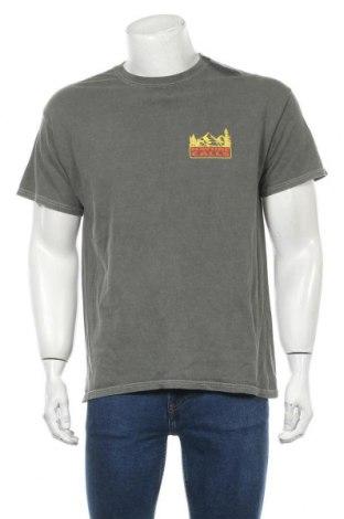 Мъжка тениска Urban Outfitters, Размер S, Цвят Зелен, 100% памук, Цена 34,30лв.