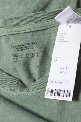 Мъжка тениска Urban Outfitters, Размер XS, Цвят Зелен, 100% памук, Цена 36,75лв.