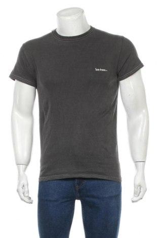 Мъжка тениска Urban Outfitters, Размер S, Цвят Сив, 100% памук, Цена 41,30лв.