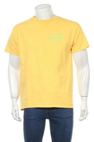 Мъжка тениска Urban Outfitters, Размер S, Цвят Жълт, Памук, Цена 38,35лв.