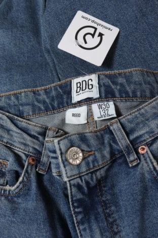 Мъжки дънки BDG, Размер S, Цвят Син, 98% памук, 2% еластан, Цена 22,08лв.