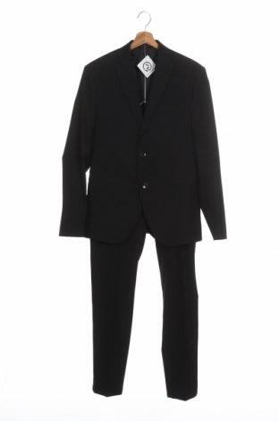 Мъжки костюм Isaac Dewhirst, Размер M, Цвят Черен, 66% полиестер, 32% вискоза, 2% еластан, Цена 100,50лв.