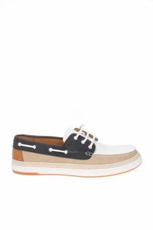 Ανδρικά παπούτσια Zara, Μέγεθος 44, Χρώμα Λευκό, Δερματίνη, Τιμή 22,02€