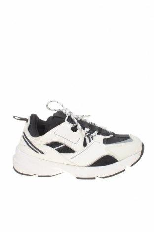 Мъжки обувки Zara, Размер 40, Цвят Бял, Текстил, еко кожа, Цена 66,75лв.