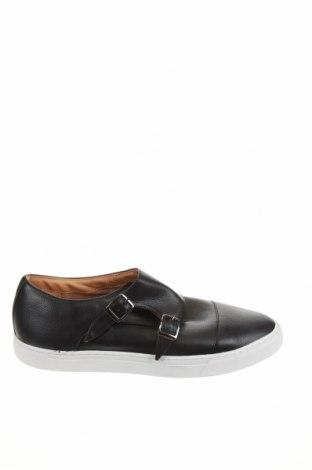 Мъжки обувки Zara, Размер 44, Цвят Черен, Еко кожа, Цена 23,70лв.
