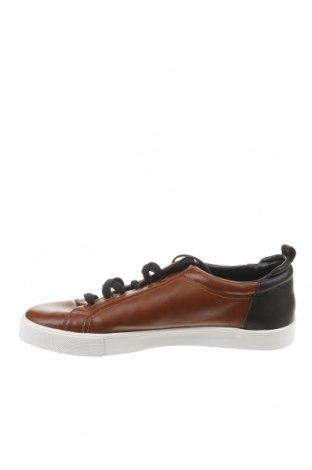 Мъжки обувки Zara, Размер 43, Цвят Кафяв, Еко кожа, Цена 47,17лв.
