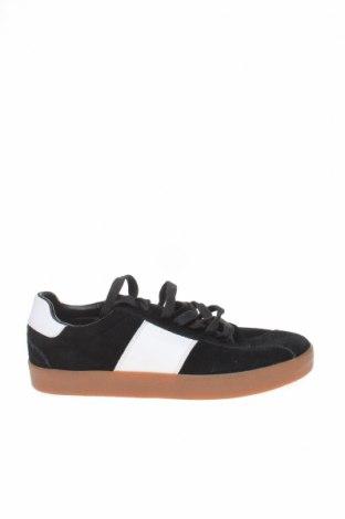Мъжки обувки Zara Man, Размер 39, Цвят Черен, Естествен велур, Цена 47,60лв.