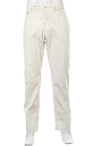 Мъжки панталон Pierre Cardin, Размер L, Цвят Бежов, 98% памук, 2% еластан, Цена 40,16лв.