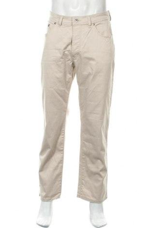 Мъжки панталон Pierre Cardin, Размер M, Цвят Бежов, 98% памук, 2% еластан, Цена 31,85лв.
