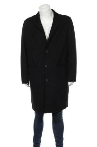 Мъжко палто Bershka, Размер XL, Цвят Черен, 50% вълна, 38% полиестер, 5% акрил, 7% други тъкани, Цена 30,81лв.