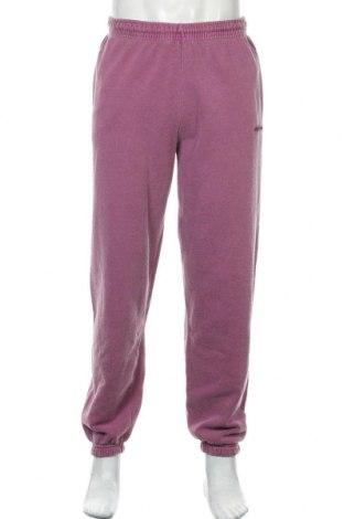 Pantaloni trening de bărbați Urban Outfitters, Mărime M, Culoare Mov deschis, 80% poliester, 20% poliester, Preț 157,90 Lei