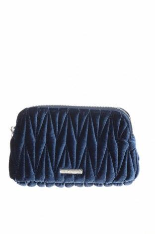 Neseser Outfitters Nation, Culoare Albastru, Textil, Preț 161,18 Lei