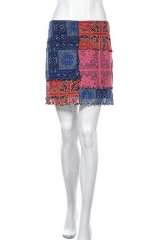 Пола Urban Outfitters, Размер M, Цвят Многоцветен, 94% полиестер, 6% еластан, Цена 40,50лв.