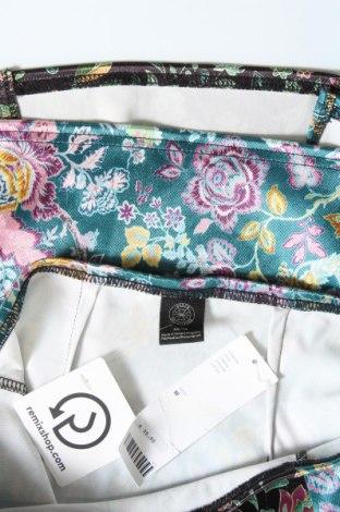 Пола Urban Outfitters, Размер XS, Цвят Многоцветен, 91% полиестер, 9% еластан, Цена 3,00лв.