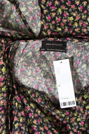 Пола Urban Outfitters, Размер XS, Цвят Многоцветен, Вискоза, Цена 7,01лв.
