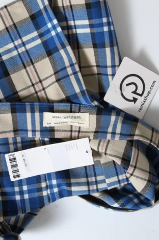 Пола Urban Outfitters, Размер S, Цвят Многоцветен, 65% полиестер, 32% вискоза, 3% еластан, Цена 6,46лв.