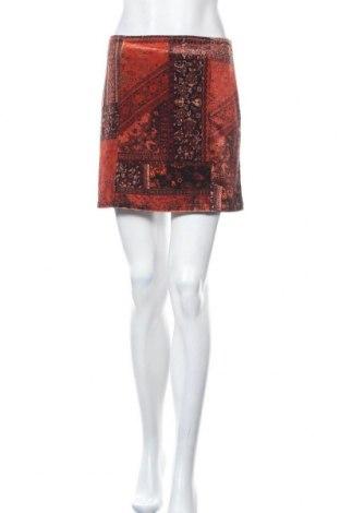 Пола Urban Outfitters, Размер S, Цвят Многоцветен, 93% полиестер, 7% еластан, Цена 12,39лв.