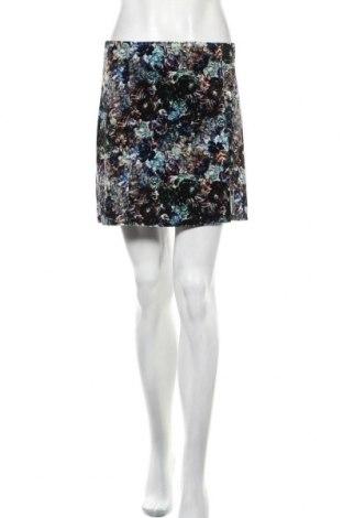 Пола Urban Outfitters, Размер M, Цвят Многоцветен, 93% полиестер, 7% еластан, Цена 54,00лв.