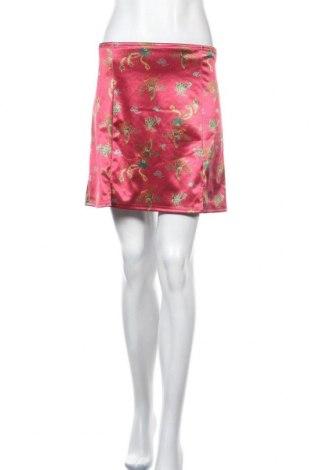 Пола Urban Outfitters, Размер M, Цвят Червен, 92% полиестер, 8% еластан, Цена 48,00лв.