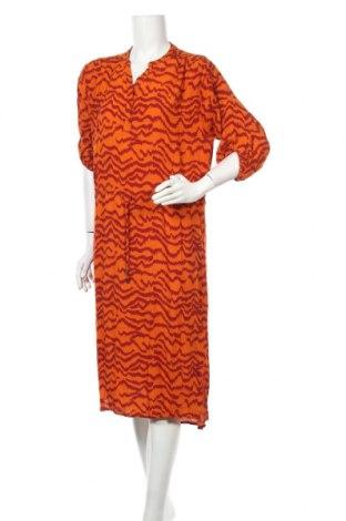 Рокля Soaked In Luxury, Размер M, Цвят Оранжев, Вискоза, Цена 66,75лв.