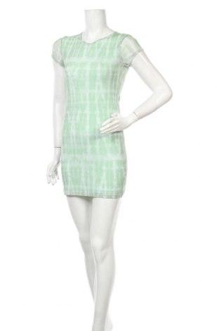 Рокля Urban Outfitters, Размер S, Цвят Зелен, 94% полиестер, 6% еластан, Цена 27,65лв.