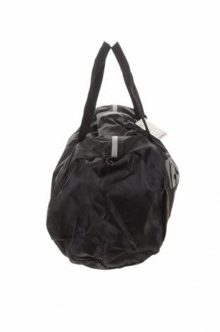 Τσάντα ταξιδίου Urban Outfitters, Χρώμα Μαύρο, Κλωστοϋφαντουργικά προϊόντα, Τιμή 30,54€