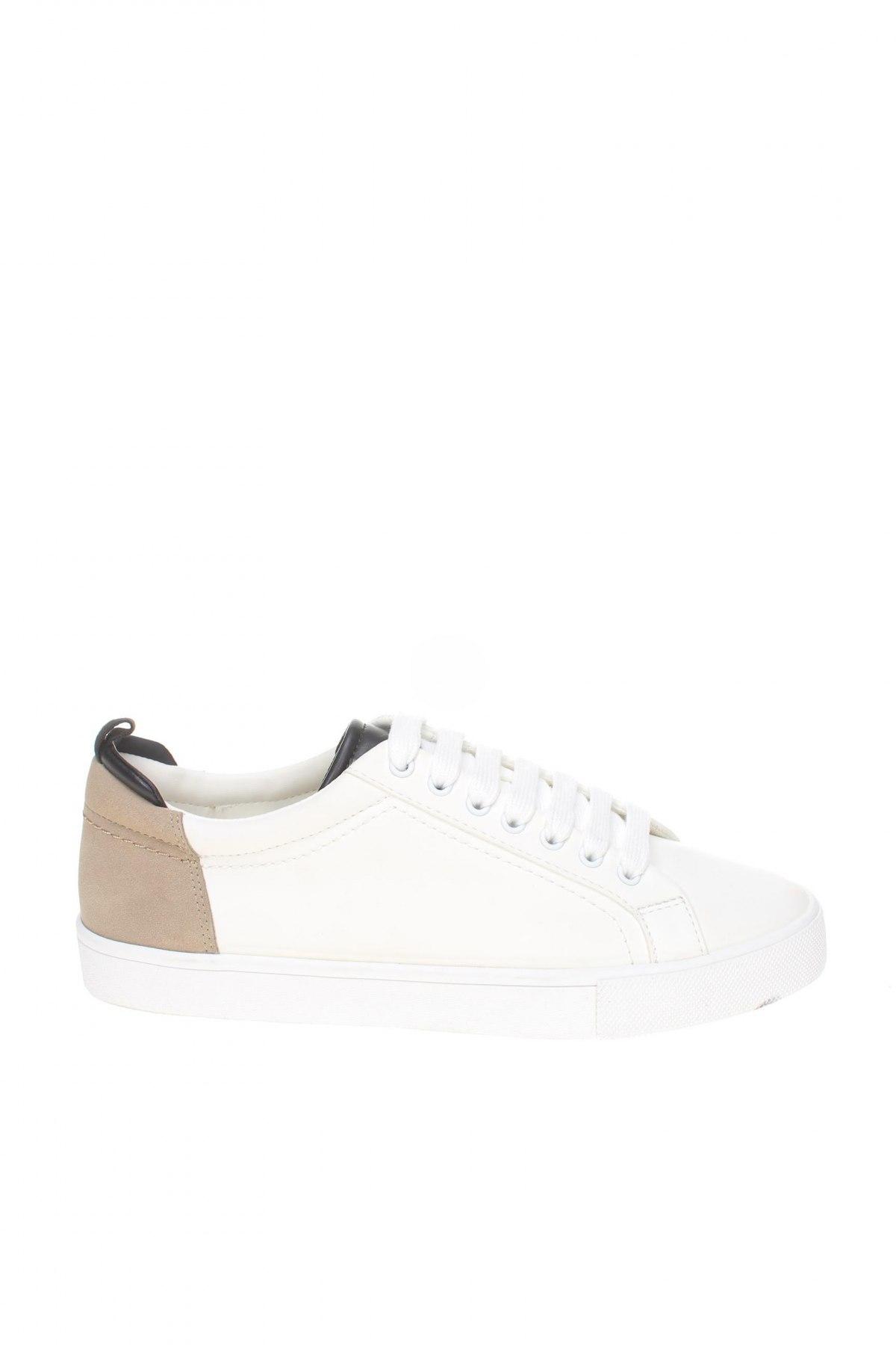 Дамски обувки Zara, Размер 40, Цвят Бял, Еко кожа, Цена 29,25лв.