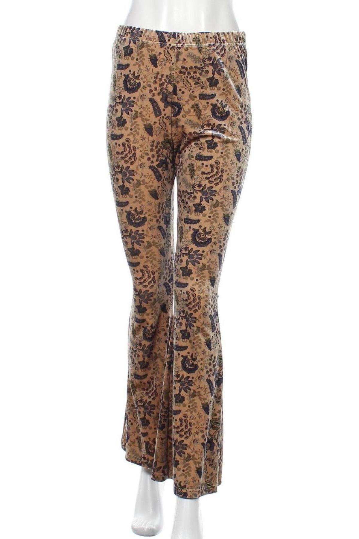 Дамски панталон Urban Outfitters, Размер M, Цвят Бежов, 93% полиестер, 7% еластан, Цена 11,60лв.