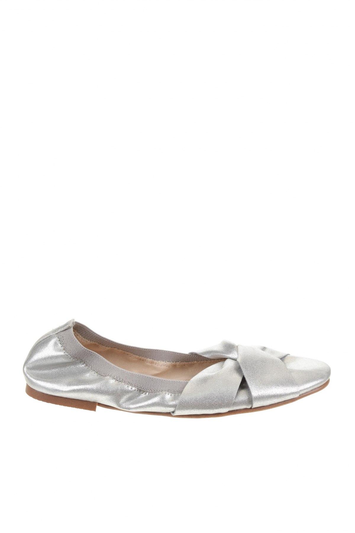 Детски обувки Zara, Размер 32, Цвят Сребрист, Еко кожа, Цена 28,62лв.