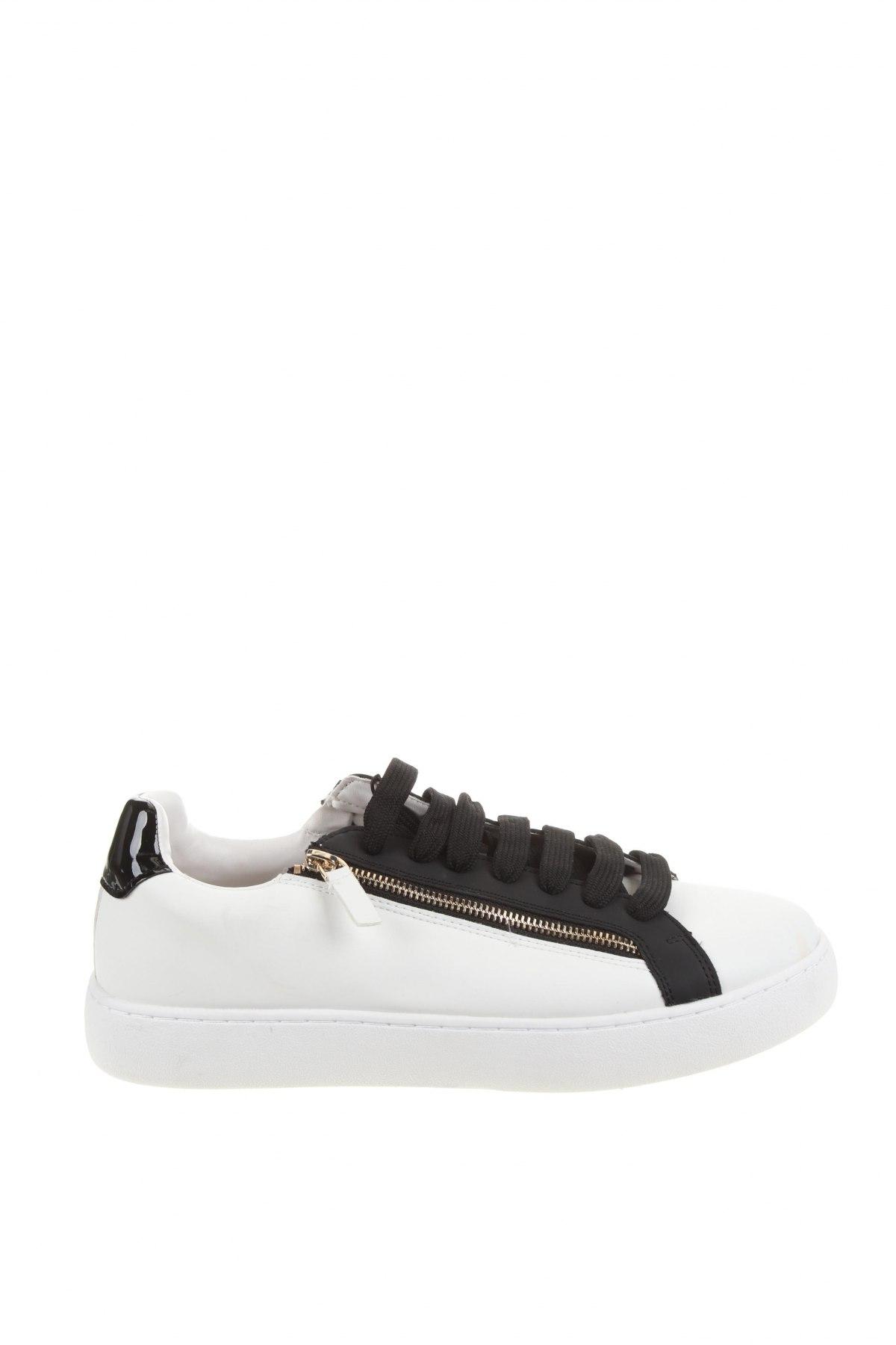Мъжки обувки Zara, Размер 44, Цвят Бял, Еко кожа, Цена 47,17лв.