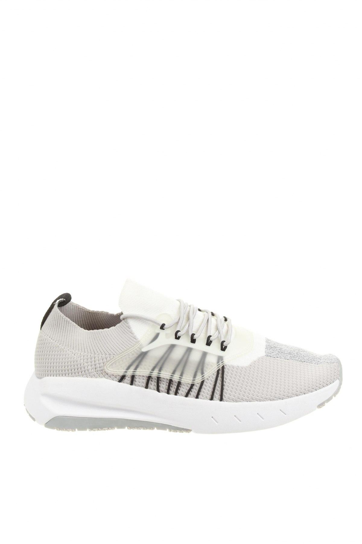Мъжки обувки Zara, Размер 47, Цвят Сив, Текстил, полиуретан, Цена 47,40лв.