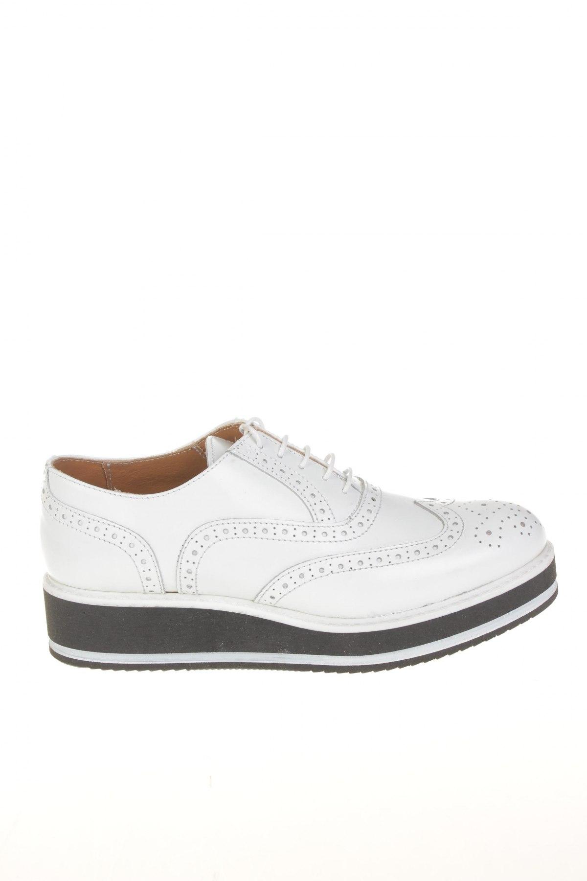 Γυναικεία παπούτσια British Passport - σε συμφέρουσα τιμή στο Remix ... 9a8ac05484a