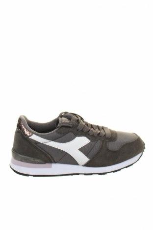 Дамски обувки Diadora, Размер 36, Цвят Сив, Естествен велур, текстил, еко кожа, Цена 87,57лв.