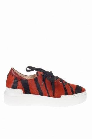 Дамски обувки Roberto Cavalli, Размер 38, Цвят Кафяв, Естествен косъм, естествена кожа, Цена 252,85лв.
