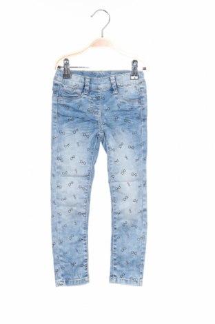 Dětské džíny  S.Oliver, Rozměr 2-3y/ 98-104 cm, Barva Modrá, 74% lyocell, 24% polyester, 2% elastan, Cena  501,00Kč
