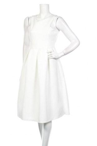 Рокля Boohoo, Размер M, Цвят Бял, 95% полиестер, 5% еластан, Цена 26,40лв.