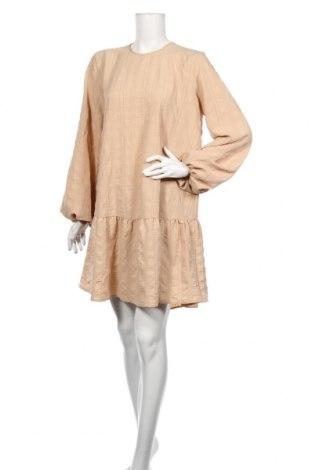 Φόρεμα Levete Room, Μέγεθος M, Χρώμα  Μπέζ, Τιμή 75,74€