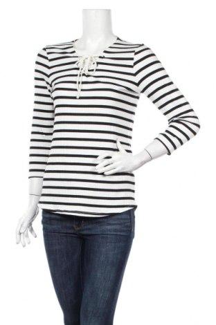 Γυναικεία μπλούζα Street One, Μέγεθος M, Χρώμα Λευκό, 57% βισκόζη, 40% πολυεστέρας, 3% ελαστάνη, Τιμή 10,82€