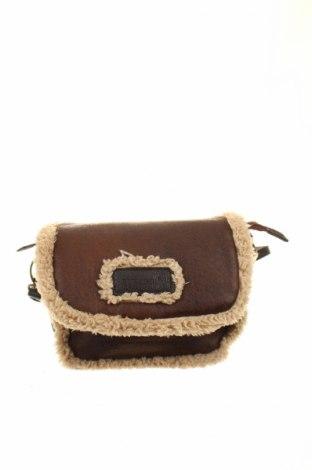 Дамска чанта Bulaggi, Цвят Кафяв, Еко кожа, текстил, Цена 16,38лв.