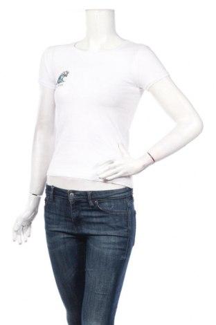 Γυναικείο t-shirt Cropp, Μέγεθος S, Χρώμα Λευκό, 95% βαμβάκι, 5% ελαστάνη, Τιμή 10,02€