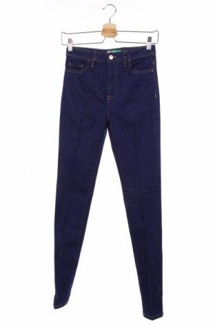 Дамски дънки United Colors Of Benetton, Размер XS, Цвят Син, 98% памук, 2% еластан, Цена 48,30лв.