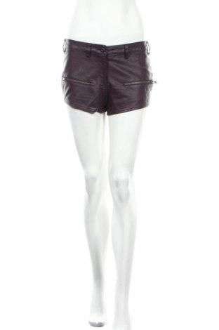 Γυναικείο κοντό δερμάτινο παντελόνι Bik Bok, Μέγεθος S, Χρώμα Βιολετί, Δερματίνη, Τιμή 16,55€