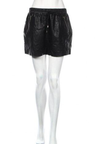 Γυναικείο κοντό δερμάτινο παντελόνι Forever 21, Μέγεθος L, Χρώμα Μαύρο, Δερματίνη, Τιμή 15,28€