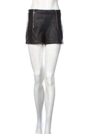 Γυναικείο κοντό δερμάτινο παντελόνι Zara Trafaluc, Μέγεθος S, Χρώμα Μαύρο, Δερματίνη, Τιμή 18,46€