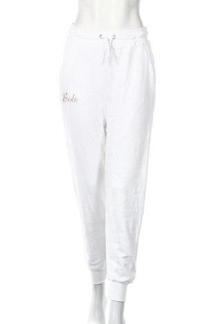 Pantaloni trening de femei Boohoo, Mărime M, Culoare Alb, 50% poliester, 45% bumbac, 5% elastan, Preț 72,00 Lei