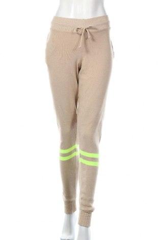 Pantaloni trening de femei Boohoo, Mărime M, Culoare Bej, 95%acril, 5% elastan, Preț 68,21 Lei