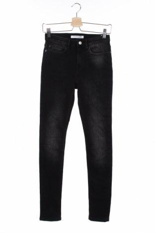 Dziecięce jeansy Calvin Klein Jeans, Rozmiar 15-18y/ 170-176 cm, Kolor Czarny, 94% bawełna, 4% poliester, 2% elastyna, Cena 136,80zł