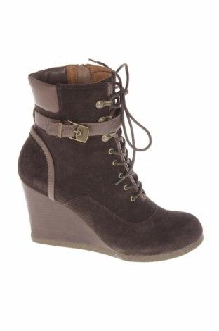 6bef546c2ed6 Dámské topánky Scholl - za výhodnú cenu na Remix -  7682069